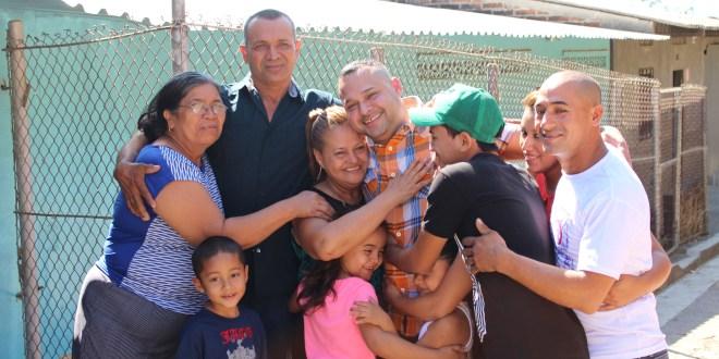 José Rubén Rivera se reencontró con su familia, luego de 30 años