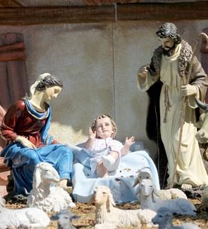 El mundo celebra una Navidad ensombrecida por la violencia en Medio Oriente