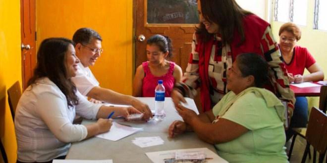 Candidatos a diputados del FMLN intensifican campaña electoral