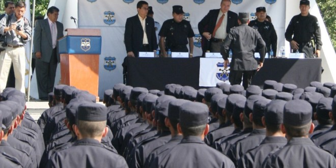 PNC prepara nuevo sistema para depurar a malos elementos en el 2015