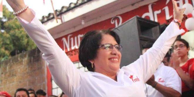 FMLN presenta a la población a su candidata a alcaldesa
