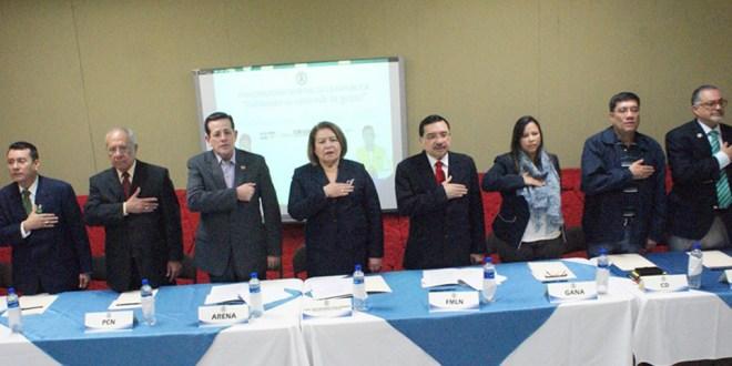 Partidos políticos se comprometen  a desarrollar evento electoral pacífico