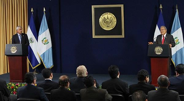 El Salvador y Guatemala acuerdan fortalecer unión aduanera