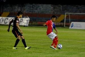 FAS y Águila disputaron el clásico número 222 el fin de semana en el Estadio Óscar Quiteño. Foto Diario Co Latino/ Juan Carlos Villafranco.