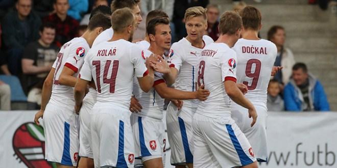 República Checa e Islandia se clasifican, Holanda muy lejos