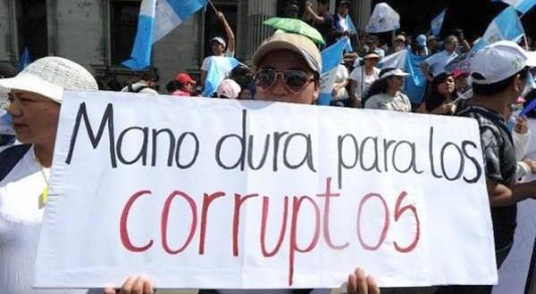 Guatemaltecos salen a las calles con mensaje anticorrupción en víspera electoral