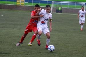 Herberth Sosa del Alianza fue pieza clave en el equipo albo para generar peligro. Foto Diario Co Latino/ Josué Parada.