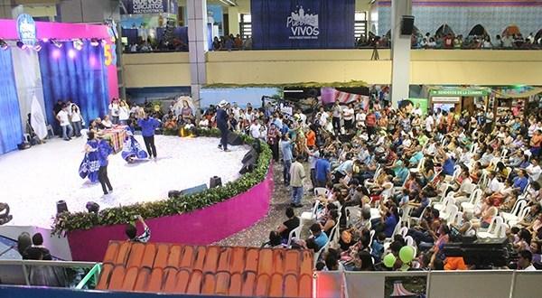 Salvadoreños visitan Feria Pueblos Vivos
