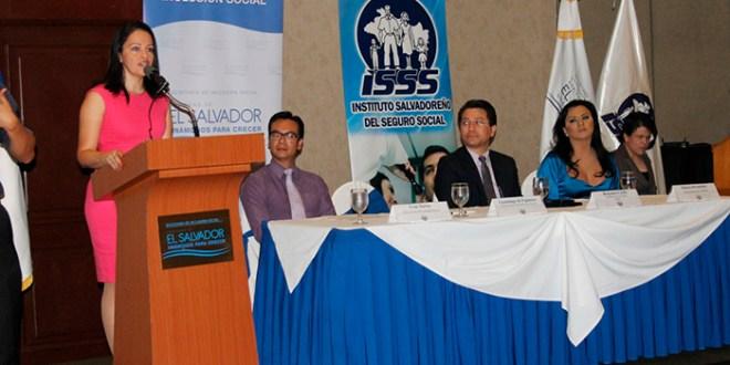 SIS inicia proceso de formación  en derechos humanos a personal del ISSS
