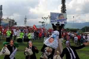 La concentración se caracterizó por un show bufo en contra de la impunidad durante los gobiernos de ARENA. Foto Diario Co Latino/Jorge Rivera