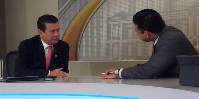 """""""El Salvador es el único país que tiene  este modelo de cooperación"""": Hugo Martínez"""