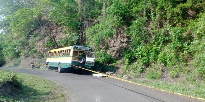 Accidente de autobús dejaun fallecido y más de 40 lesionados