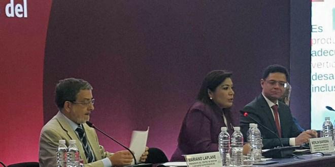 """Viceminstra de Comercio e Industria asiste a seminario """"Horizontes 2030: la igualdad en el centro del desarrollo sostenible"""""""