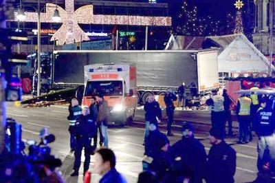 """Alemania, conmocionada por """"atentado terrorista"""" en mercado navideño"""