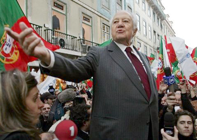 """Portugal, en duelo, despide al """"padre de la democracia"""""""