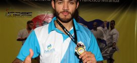 Jorge Merino responde al IMDER con medalla