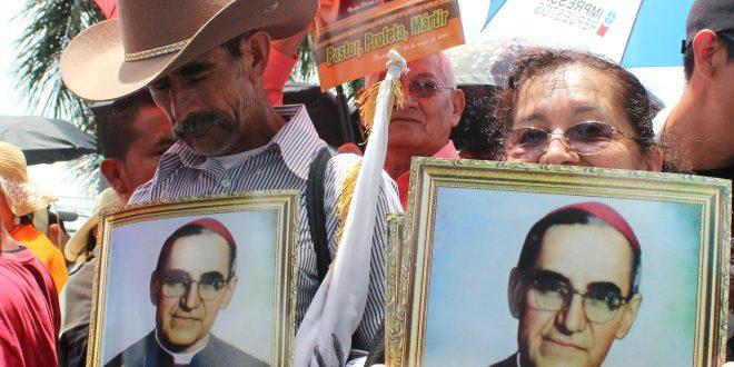 Iglesia salvadoreña envía a Roma pruebas de milagro atribuido a arzobispo Romero