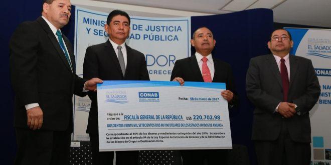 CONAB entrega fondos y propiedades extinguidos a delincuentes