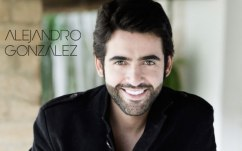 Alejandro-Gonzalez-Bonka-con-Sony-Music