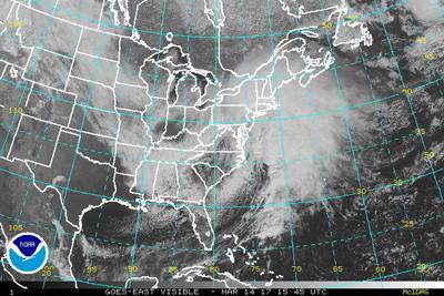 Escuelas y vuelos cancelados en noreste de Estados Unidos por tormenta Stella