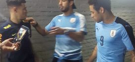 Suárez regala a Neymar camiseta de Uruguay