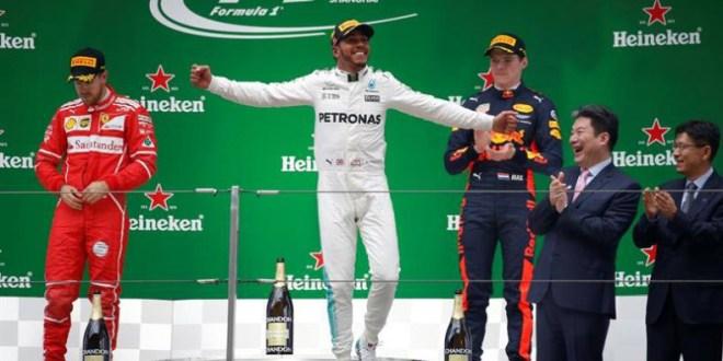Hamilton responde a Vettel en China  y anticipa una lucha al rojo vivo
