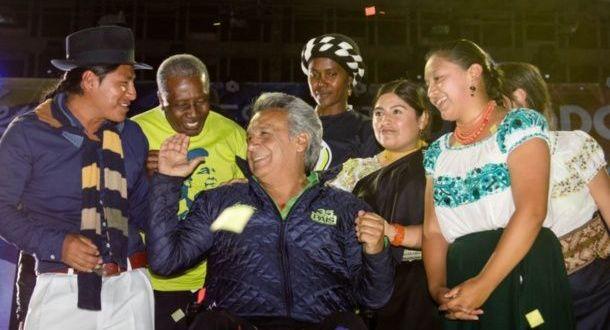 Lenín Moreno invita a votar con optimismo y respetar resultados de elecciones en Ecuador