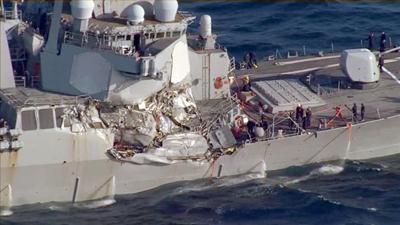 Siete marinos de Estados Unidos desaparecidos tras choque de destructor con buque de carga
