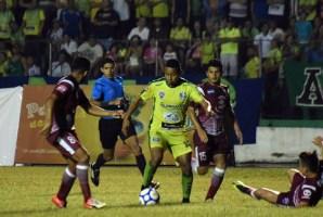 """Sonsonate y Chalatenango no pasaron del empate a cero en el estadio """"Ana Mercedes Campos"""". Foto Diario Co Latino/ Cortesía Juan Carlos Hernández."""