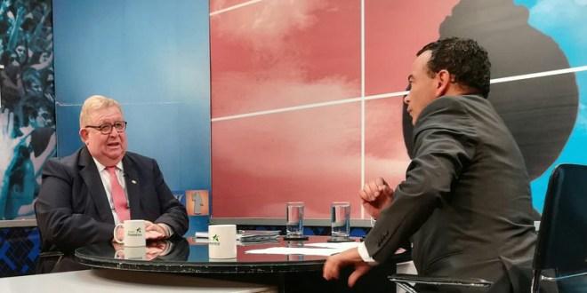 Ministro Cáceres asegura  que ARENA no está siendo excluido en tema previsional