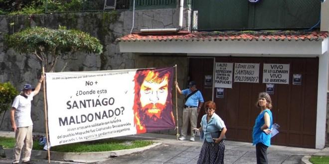 ¡Exigimos que aparezca Santiago Maldonado con vida ya!