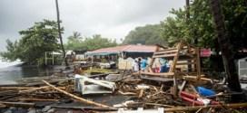 El huracán María devasta Dominica, llega a Guadalupe y Puerto Rico se prepara para la llegada