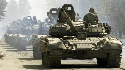 El ejército ruso exhibe fuerza a las puertas de la UE