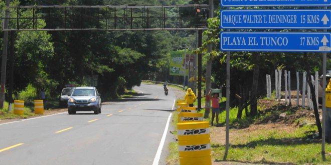 MOP inicia construcción  del tramo II de carretera  al Puerto de  La Libertad