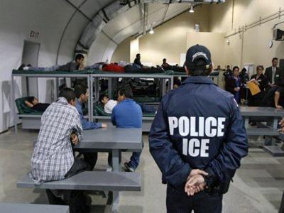 Corte Suprema de Estados Unidos examina las detenciones prolongadas de migrantes