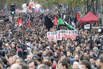 Burócratas franceses se movilizan contra reforma del gobierno