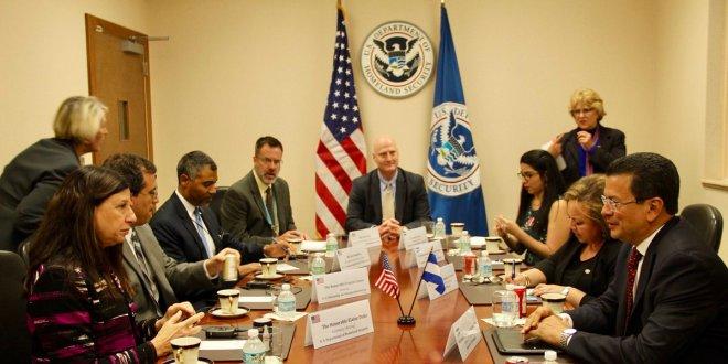 Cancillería salvadoreña continúa gestión a favor de TPS y DACA