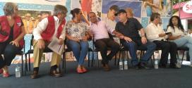 Funcionarios inauguran cambio de tuberías en zonas de San Salvador