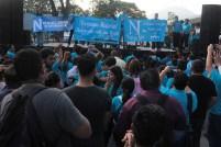 """Miembros afines del grupo """"Nuevas ideas"""" llegaron desde algunos puntos del país para mostrarle su apoyo al edil. Foto Diario Co Latino/ David Martínez."""