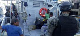 Fuerza Naval rescata a diez náufragos