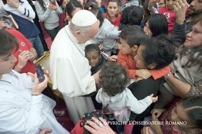 El papa celebra su 81º cumpleaños y aboga por la alegría de los niños