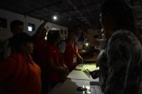 En el centro de votación de CIFCO hubo apagón de energía electrica durante el inicio de la votación. Foto Diario Co Latino/ Mnahen González
