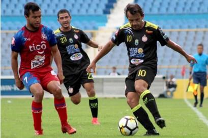 FAS y Metapán disputarán la serie más pareja en los cuartos de final del torneo Apertura 2018. Foto Diario Co Latino/Archivo.