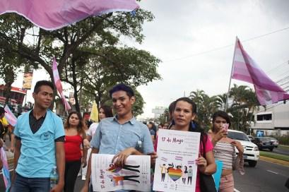 Desde hace 10 años, la comunidad de Transexuales en El Salvador celebran su día con una marcha en la que exigen respeto a sus derechos, como seres humanos y justicia para las personas asesinadas. Foto Diario Co Latino/ David Martínez