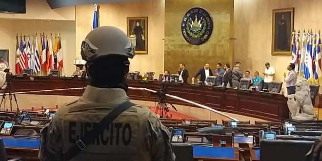 Bukele: ¿A quién le dimos golpe de Estado?