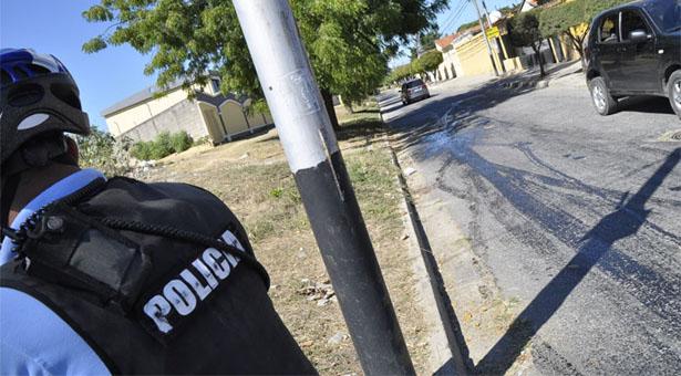 POLICIA HERIDO POR ATRACO EN CABUDARE URB.LOS CEDRO. BARQUISIMETO ESTADO LARA 09/01/2014 FOTO ANGEL ZAMBRANO
