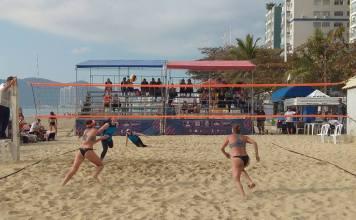Duplas de Balneário Camboriú ganham dois títulos no Vôlei de Praia
