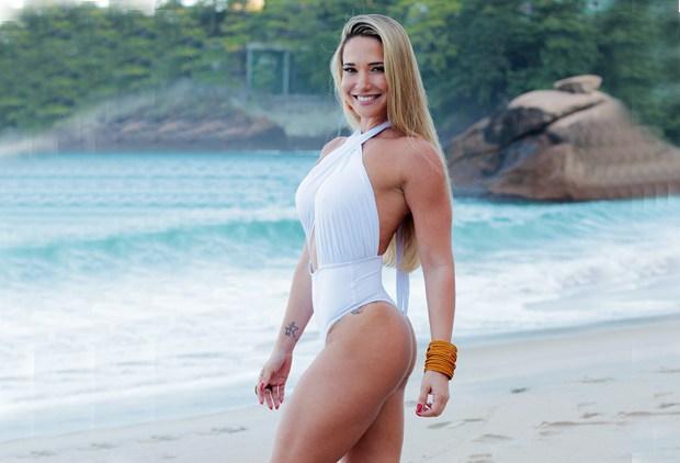 Ana De Biase posa para grife de biquínis e maiôs Mansur Sports