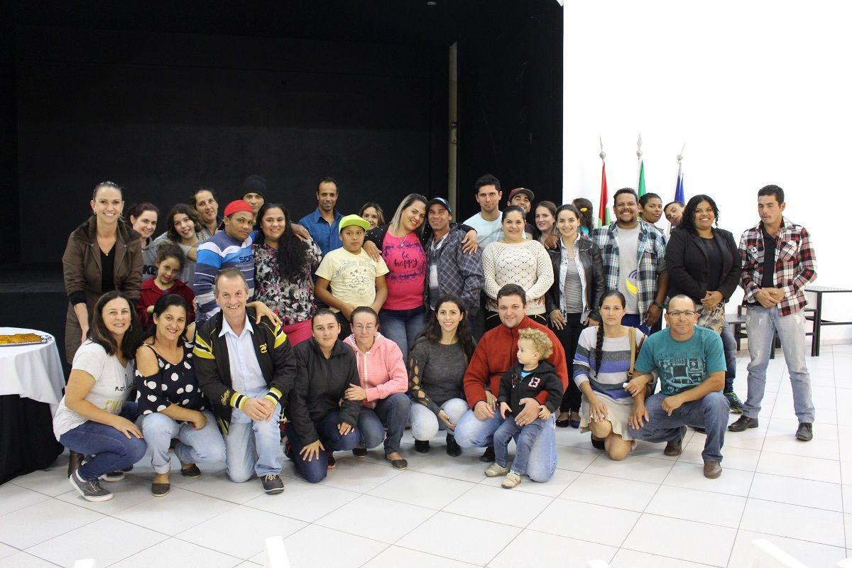 Assistência Social de Balneario Piçarras realiza reunião com os casais do 2º Casamento Comunitário