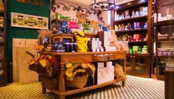 0d9befd0d4c7f Loja que combina diferentes fragrâncias brasileiras inaugura unidade em  Curitiba